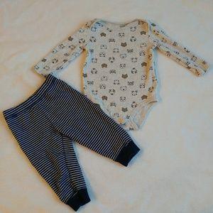 Carter's Matching Sets - 🌷3/$15🌷 Carter's navy hooded vest set